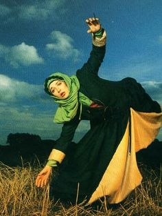 Kate Bush, I sure do love your crazy, interpretive-dancing ways.