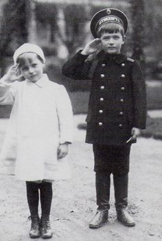 Tsarevich Alexei (Left) with his German cousin Prince George