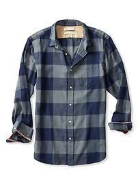 Casual Shirts For Men, Casual Button Down Shirts, Men Casual, Plaid Shirt Outfits, Flannel Shirt, Clothing Store Interior, Mens Fashion, Fall Fashion, High Fashion