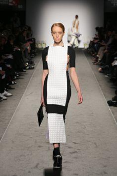 Accademia di Costume e di Moda Talents 2014 Giulia Goretti De'Flamini   WEISS #fashion #womenswear #white #neoprene #leather #black&white