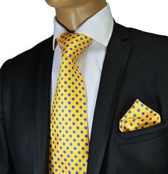 Necktie and Pocket Square by Verse 9 . Big Knot . 100Silk