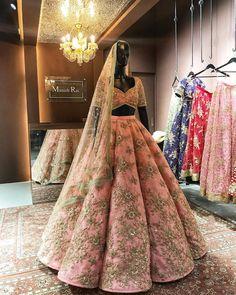 New wedding lengha bridal lehenga beautiful ideas Wedding Lehnga, Indian Bridal Lehenga, Indian Bridal Outfits, Indian Bridal Wear, Pakistani Bridal Dresses, Indian Designer Outfits, Wedding Hair, Bridal Lenghas, Anarkali Bridal