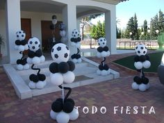 Soccer Birthday Parties, Football Birthday, Soccer Party, Sports Party, Soccer Decor, Soccer Banquet, Banquet Centerpieces, Football Themes, Football Balloons