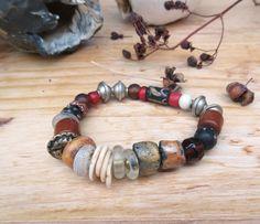 Un bracelet shabby chic avec perle pandora, perles millefiori en verre Afrique : Emotions De Départ !!!!! par annemarietollet sur Etsy https://www.etsy.com/fr/listing/568755716/un-bracelet-shabby-chic-avec-perle