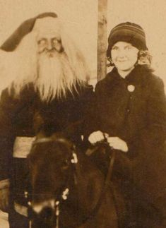 The Oddment Emporium-One Creepy Santa, What is wrong with his eyes for Pete's sake??