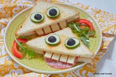 Funny monster toasts, the quick supper idea for children. Salami and cheese . Salami und Käs… Funny monster toasts, the quick dinner idea for … - Cute Fruit, Cute Food, Good Food, Quick Supper Ideas, Easy Halloween Food, Recipes Appetizers And Snacks, Dinner Themes, Edible Food, Food Humor