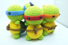 PATTERN - Ninja Turtle TMNT Amigurumi Crochet PDF Instant Download by CalyCaly on Etsy https://www.etsy.com/listing/208093990/pattern-ninja-turtle-tmnt-amigurumi