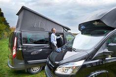 Ford bietet den Campingbus Nugget mit einem Aufstelldach oder einem festen Hochdach an. Beide Varianten haben ihre eigenen Stärken. Es kommt darauf an, wo man seine Prioritäten setzt.