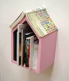 Too cute for a kids room! Bookshelf by the bed that keeps your place. DIY, too! @ DIY Home Design Do It Yourself Quotes, Do It Yourself Inspiration, Diy Inspiration, Diy Projects To Try, Home Projects, Craft Projects, Idee Diy, Home And Deco, Book Nooks