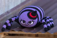 It's a little early to be thinking about Halloween (and Pumpkin Spice Latte Season *swoon*) but I spotted this adorable spider on Ravelry and had to share! Get this - the legs are stuffed with those bendy foam rollers!  Super clever construction detail!  This pattern is in the Fall 2017 issue of Love of Crochet, which has a couple of other cute Halloween patterns. I also love the Courageous Caftan. You can buy the issue here and get started right now…