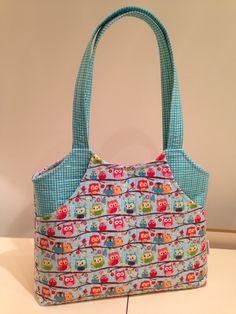 owl tote bag made using a Geta Grama pattern