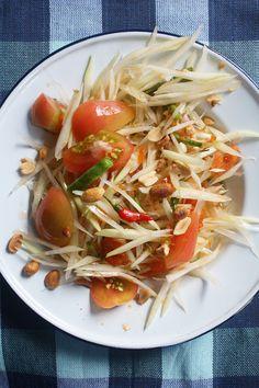Thai Green Papaya Salad: Eat Thai Like a Dignitary |