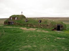 Icelandic turf houses are old-school green with a Viking twist (photos) http://www.treehugger.com/slideshows/green-architecture/8-icelandic-turf-houses-old-school-green-Viking-twist/page/11/