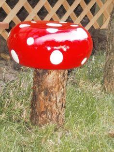 DIY Toadstool garden at www.mycreativedays.com