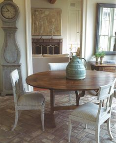 A look at Swedish Gustavian style! What it is, how to incorporate it into your home, and how to shop for gorgeous Gustavian pieces! Swedish Interiors, Interior, Gustavian, Gustavian Decor, Gustavian Style, Terrazzo Flooring, Swedish Decor, Brick Flooring, Gustavian Furniture