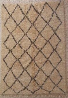VERKOCHT Berber vloerkleed uit Marokko no B020354 240cm x 170cm (Let op:dit kleed is bestelbaar maar we kunnen het pas begin mei leveren!)