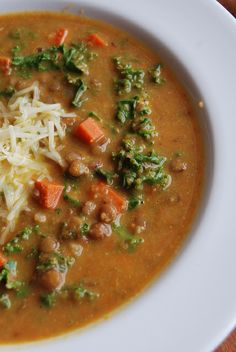 Recipe: Lentil soup with carrots and kale Chowder Recipes, Soup Recipes, Vegan Recipes, Brown Lentil Soup, Healthy Chef, Healthy Eating, Dream Recipe, Vegetarian Soup, Soups And Stews