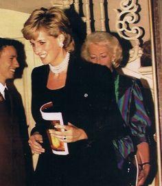 Diana ,Jane ,Sarah et Frances la mère au the Royal Opera House_ 01 Novembre 1995