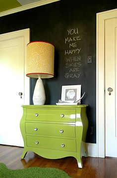 love this chalkboard wall!