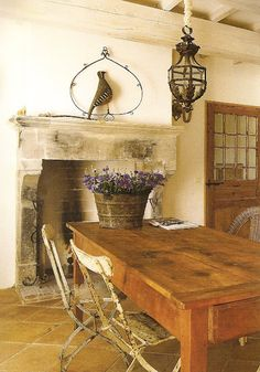 Décor de Provence: love the farm table. Will have to add contemp. pcs to update.