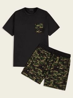 To find out about the Men Camo Pocket Patched Tee & Drawstring Waist Shorts Set at SHEIN, part of our latest Men Two-piece Outfits ready to shop online today! Dope Outfits For Guys, Boy Outfits, Baby Boy Fashion Clothes, Co Ords Outfits, Urban Fashion, Mens Fashion, Urban Style Outfits, T Shirt And Shorts, Men Street