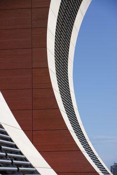 Curves of MCB St-Jean building. Copyright: Circus. #MCBgroup #Ecobuilding #Architecture #Design #Mauritius