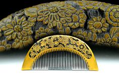 Vintage Gold Lacquer Hair Comb - Vintage Gold Lacquer - Great Carving