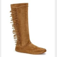 """UGG authentic mammoth fringe boots Sz 12 new UGG authentic mammoth fringe boots Sz 12 new water-resistant Silkee™ suede upper knotted fringe medial nylon zipper leather sockliner 3mm poron/7mm EVA cushioning insole flexible molded rubber outsole synthetic braid-wrapped sidewall approx. 14"""" shaft height UGG Shoes"""
