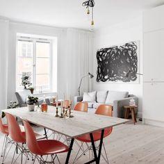 Habéis leído bien 38 m², ¿de verdad se puede vivircómodamenteen tan poco espacio? mirad las imágenes y osconvenceréis ¿no os parece una monería? ;) Se trata de un piso viejo de los años 40, per…