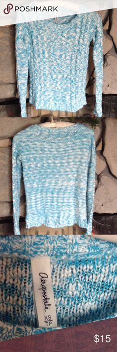 Blue/White Marled Sweater Sky blue & white marled print sweater, scoop neck.  Good condition still,  smoke free home. Aeropostale Sweaters Crew & Scoop Necks