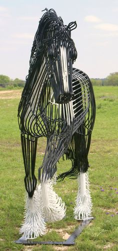 Wire Horse Art! AMAZING!!!!!!!!!! This is the best thing I have ever seen- it is so accurate and looks so real