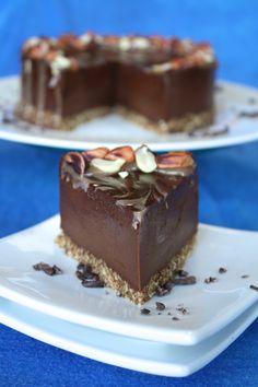 Raw chocolate peanut butter vegan cheesecake w/ almond crust - Made w cashew cream, cacao, & coconut oil