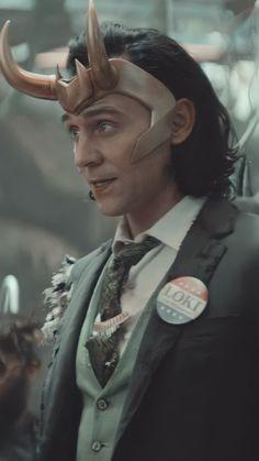 Loki Character, Loki Wallpaper, Loki Whispers, Loki Cosplay, Marvel Background, Marvel Photo, Tom Hiddleston Loki, Loki Laufeyson, Marvel Cinematic Universe