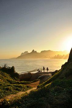 Pedra e Praia do Arpoador, no bairro de Ipanema, zona sul da cidade do Rio de Janeiro, RJ, Brasil.