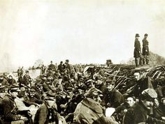 Union soldiers in trenches before Petersburg