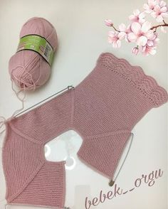 Der neue Good evening - I& knitting the sleeves of the dress right now, actually only rob . Crochet Baby Jacket, Knitted Baby Cardigan, Baby Girl Crochet, Knitted Hats, Baby Girl Cardigans, Baby Sweaters, Baby Knitting Patterns, Baby Patterns, Diy Crafts Knitting
