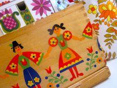 Pomme de Jour - Vintage Folk Box