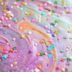 We're obsessinnnnng over Unicorn Bark! Unicorn Birthday Parties, 2nd Birthday, Birthday Cakes, Princess Birthday, Unicorn Foods, Pastel Party, Troll Party, Pony Party, Chocolate Bark