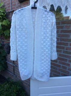 Crochet winter cardigan - free pattern. Gratis patroon - wintervest dames haken