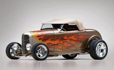 1932 Ford Custom High Box Roadster a highboy Roadster Car, 1932 Ford Roadster, Ford Motor Company, Rat Rods, Classic Hot Rod, Classic Cars, Pinup, Convertible, Hot Rides