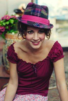 Açelya Topaloğlu Resimleri (7) Turkish Actors, Quilling, Actors & Actresses, Stars, Women, Fashion, Turkish People, Beauty, Bedspreads