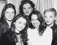 Rose Leslie, Maisie Williams, Kit Harington, Emilia Clarke and Natalie Dormer - GoT cast