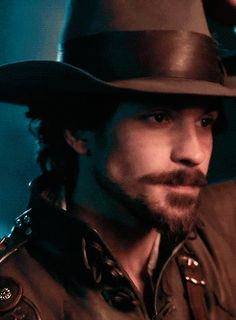 musketeers aramis art | The-Musketeers-BBC-image-the-musketeers-bbc-36514160-245-333.gif