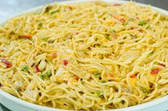 Chicken Spaghetti -Pioneer used pasta and doubled chicken. Didn't double soups, but c. broth and c. I used frozen peas instead of peppers.Covered and added cheese last half of bake time. Chicken Spaghetti Pioneer Woman, Chicken Spagetti, Pioneer Woman Chicken, Chicken Spaghetti Recipes, Pioneer Woman Recipes, Pasta Recipes, New Recipes, Chicken Recipes, Dinner Recipes
