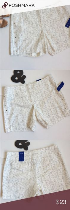 """APT. 9 Embellished Shorts APT. 9 Shorts. 5"""" inseam. Mid-Rise. Straight through hip & thigh. Hits mid thigh. Two back faux pockets. Cream and black print. Soft & Comfortable yet dressy. Gold studs embellishments run on sides. About 15"""" waist to hem. 98% Cotton. 2% Spandex. New with tags. Apt. 9 Shorts"""