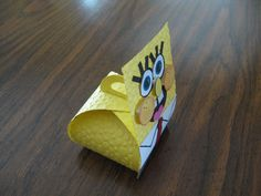 Side view of Sponge Bob curvy box.