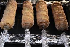 cozonac secuiesc-kurtos kalacs Kurtos Kalacs, Quites, Street Food, Sweets, Restaurant, Chefs, Recipes, Traveling, Internet