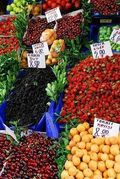 Fruit stall, Istanbul, Turkey
