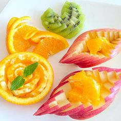 Fruit fresh platter welcome フルーツカッティング Veggie Art, Fruit And Vegetable Carving, Sweets Recipes, Fruit Recipes, Cooking Recipes, Fruit Plate, Fruit Art, Deco Fruit, Fruit Garnish