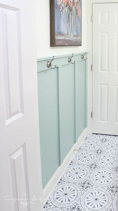 DIY Peel and Stick Vinyl Tile Flooring --> such a pretty look for less!...